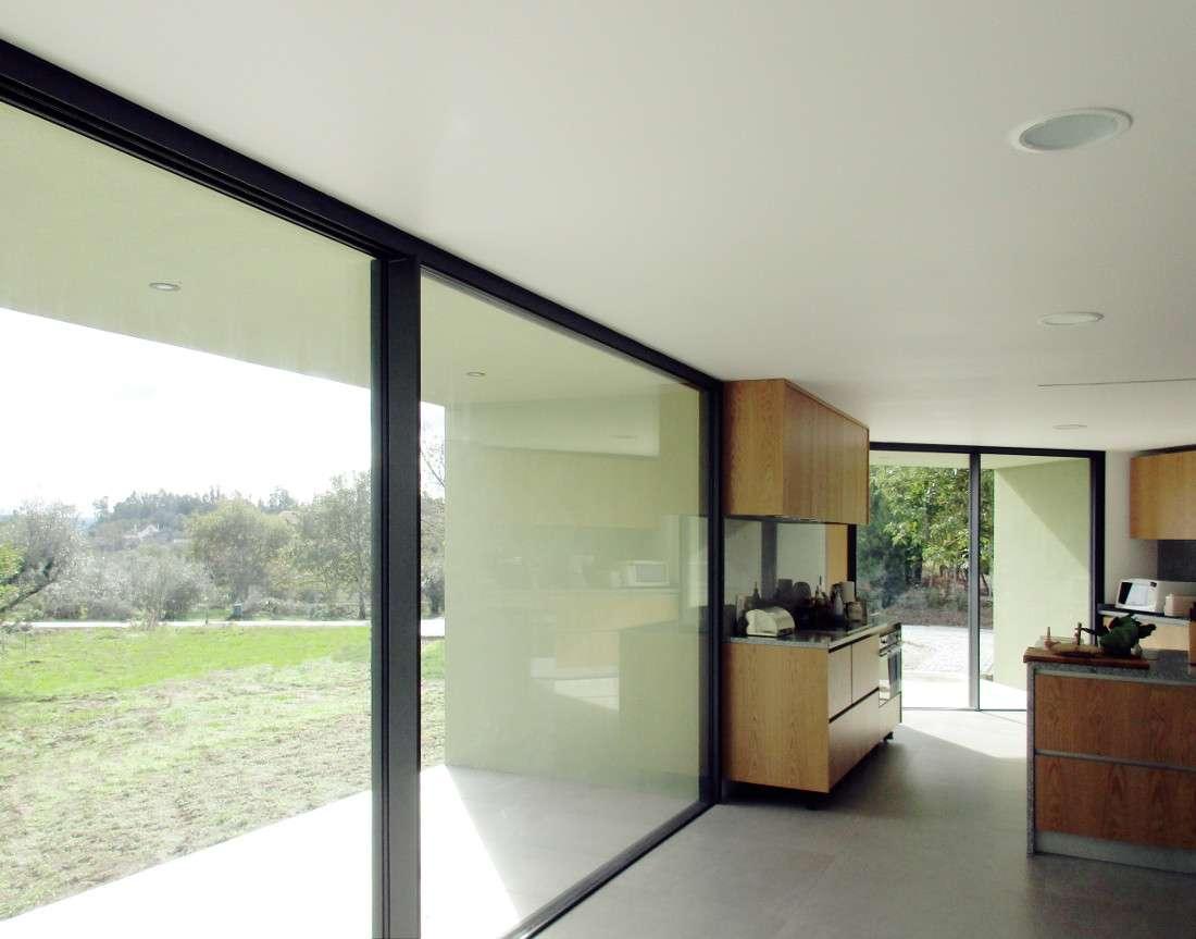 Bioclimatic house windows