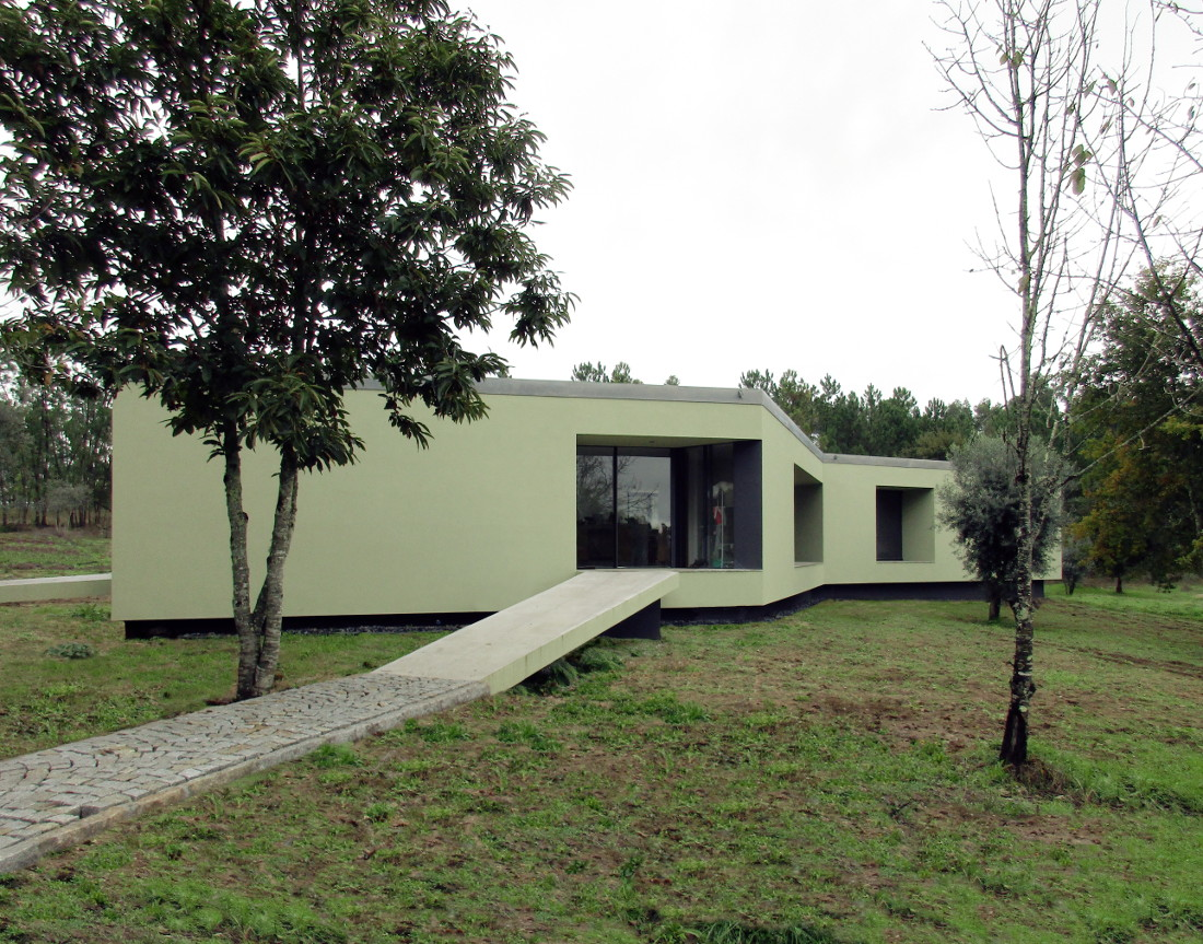 Sustainable construction of a bioclimatic house