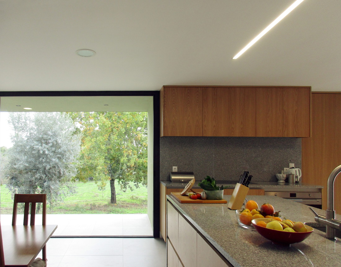 bioclimatic house -kitchen