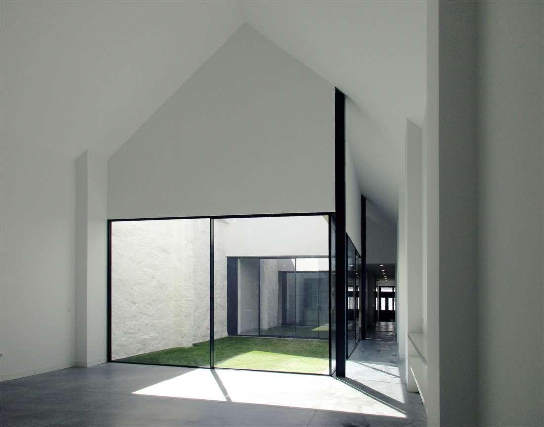 Loft House interior courtyard